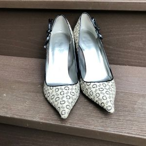 Guess bow heels